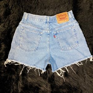Levis high waisted shorts size 8